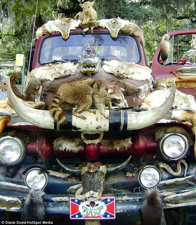 Taxidermy-Truck-02