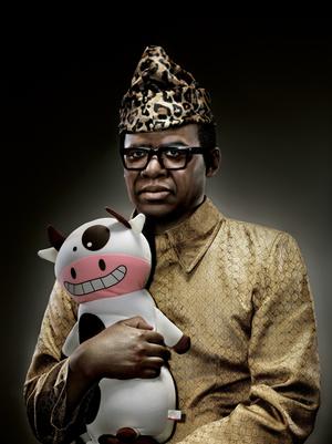 Mobutu-Sesé-Seko-With-Cow