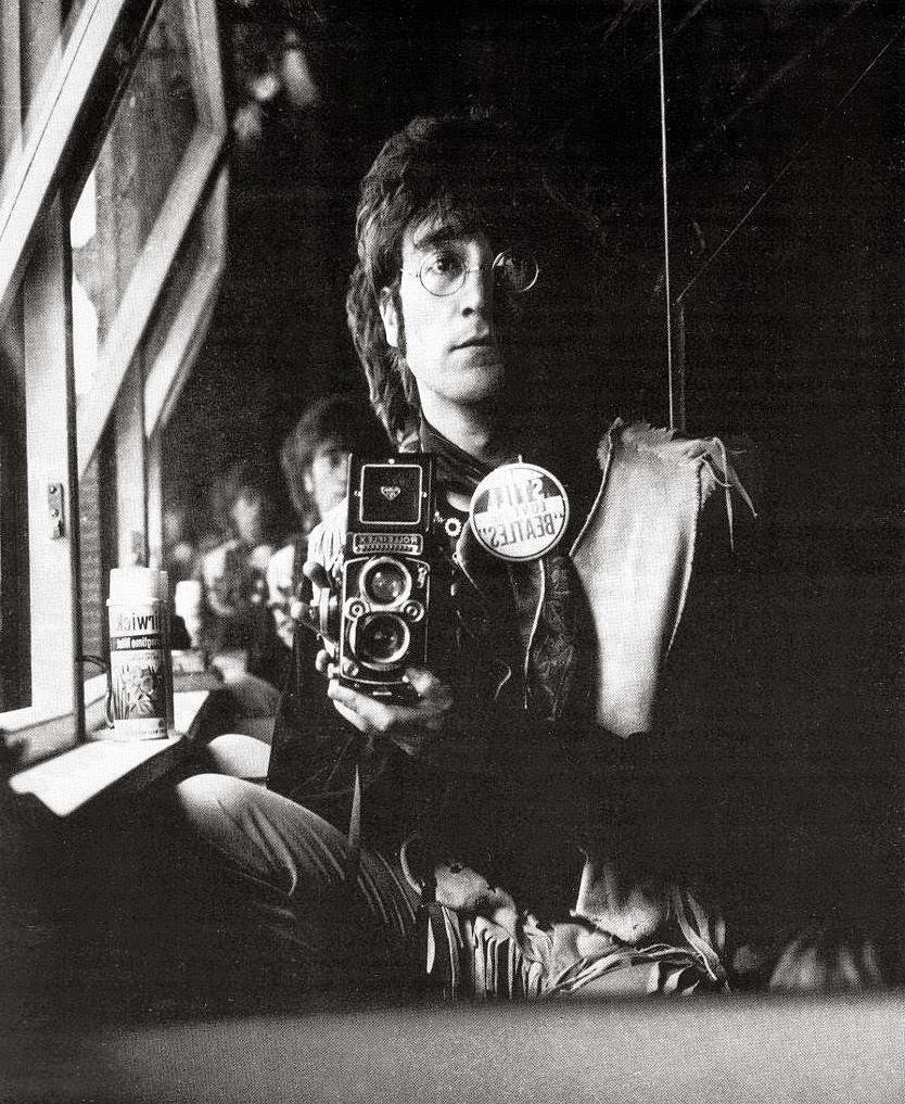 Self-portrait+of+John+Lennon+and+his+Rolleiflex+in+the+attic+of+his+house+Kenwood,+June+29,+1967