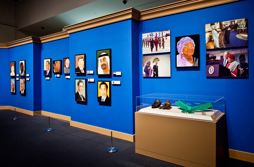 george-w.-bush-exhibits-30-painted-portraits-of-world-leaders-designboom-02