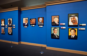 george-w.-bush-exhibits-30-painted-portraits-of-world-leaders-designboom-03