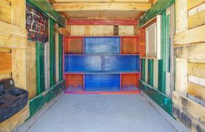 gregory-kloehn-turns-trash-into-vibrant-houses-for-the-homeless-designboom-05