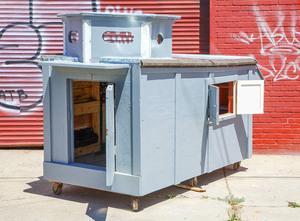 gregory-kloehn-turns-trash-into-vibrant-houses-for-the-homeless-designboom-07