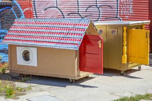 gregory-kloehn-turns-trash-into-vibrant-houses-for-the-homeless-designboom-11