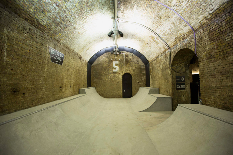 house-of-vans-london-indoor-skatepark-designboom-06