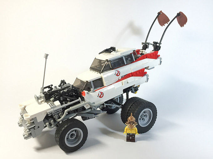 The-Vehicles-of-Mad-Max-Fury-Road-In-Shiny-LEGO-4