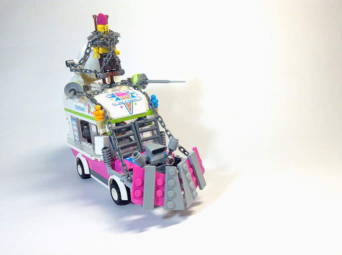 The-Vehicles-of-Mad-Max-Fury-Road-In-Shiny-LEGO-5