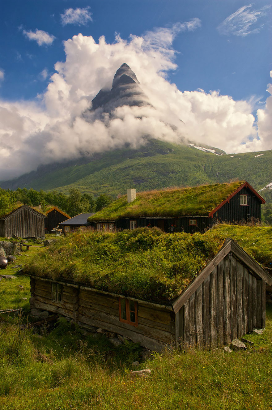 fairy-tale-viking-architecture-norway-2__880