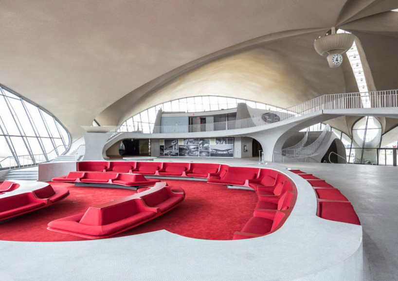 max-touhey-photographs-JFK-TWA-terminal-prior-to-renovation-designboom-03