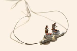 tatsuyatanaka_miniature-calendar_designboom_014