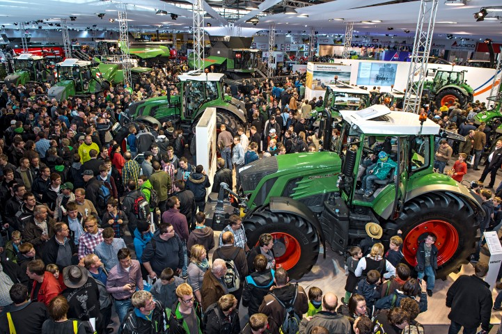 Fendt_Agritechnica2013_1329424-3-Small