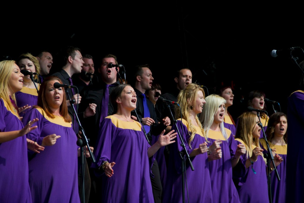 how to serve your community and church in a choir