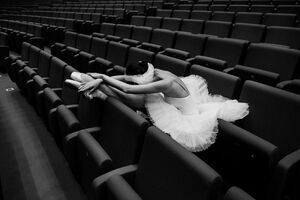 Russian-Ballet-photographer-Darian-Volkova-shares-behind-the-stage-life-of-dancers8__880