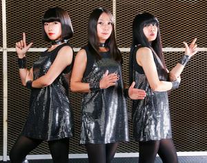 ShonenKnife_Black_140302_photocredit_Akira-Shibata