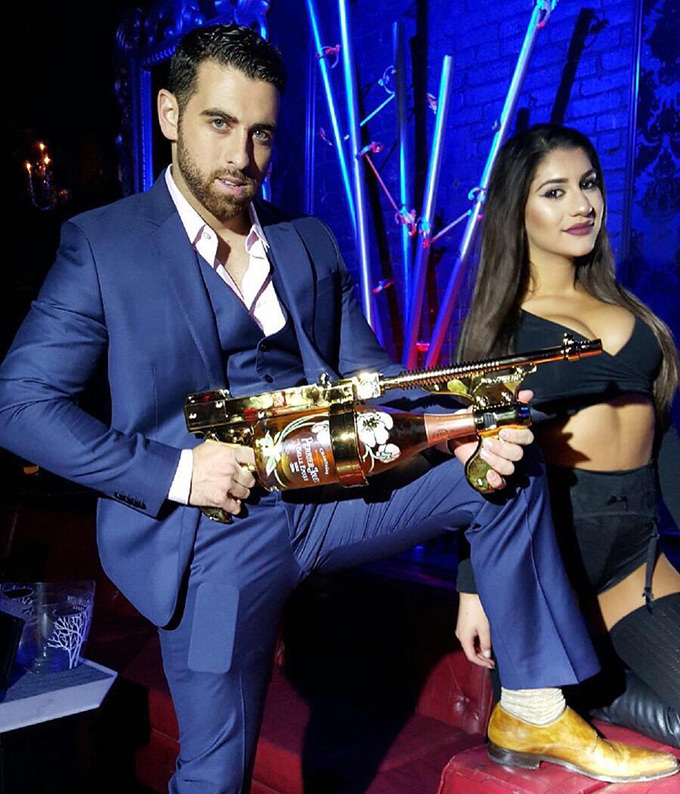 The-Champagne-Gun-1