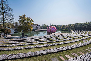 studio-florentijn-hofman-floating-fish-art-wuzhen-designboom-08