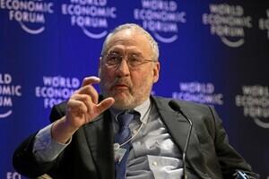 DAVOS-KLOSTERS/SWITZERLAND, 31JAN09 - Joseph E. Stiglitz, Professor, Columbia University, USA, at the Annual Meeting 2009 of the World Economic Forum in Davos, Switzerland, January 31, 2009. Copyright by World Economic Forum swiss-image.ch