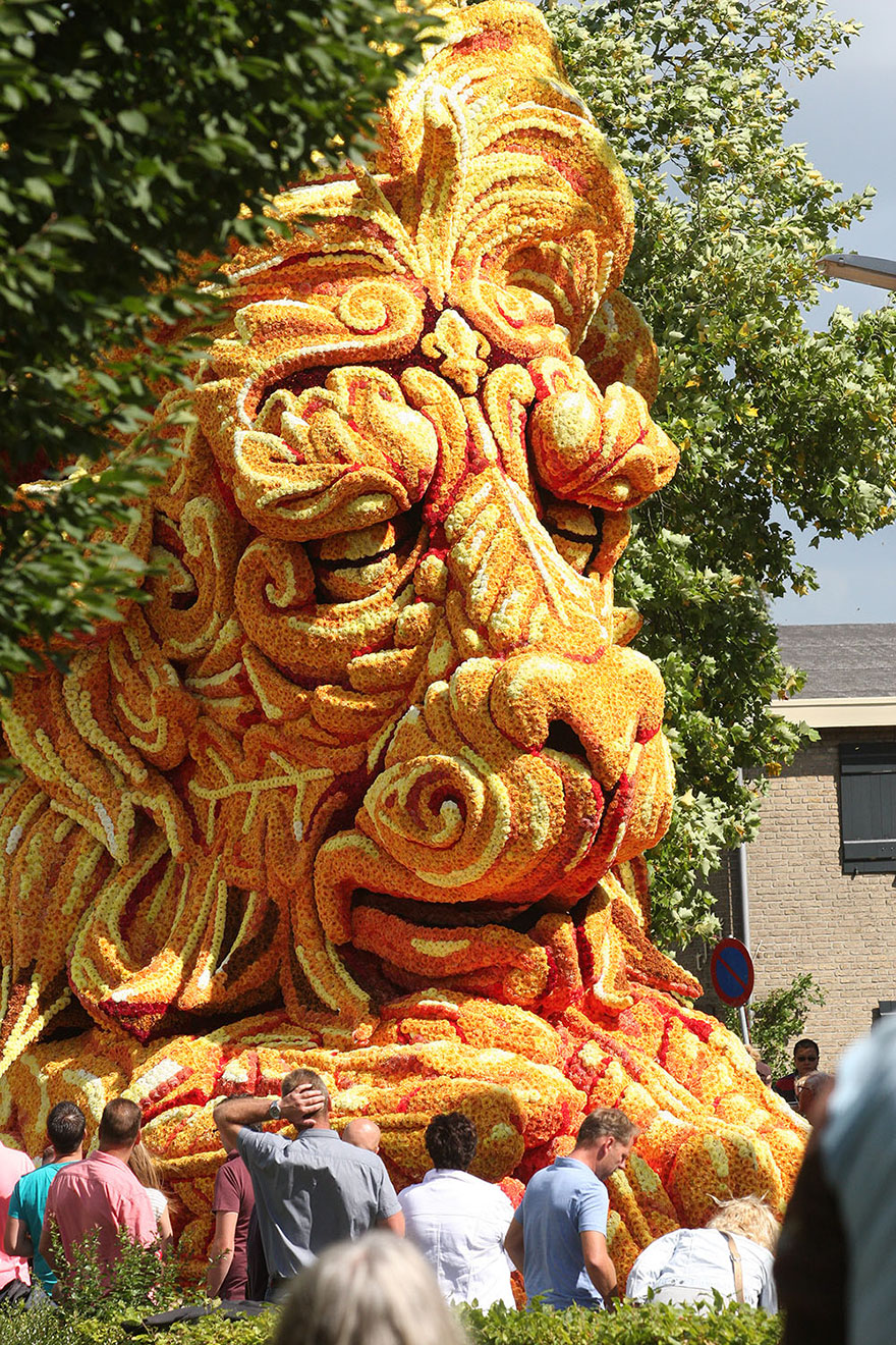 flower-sculpture-parade-corso-zundert-2016-netherlands-62