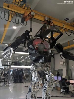 robot-hankook-mirae-technology-vitaly-bulgarov-designboom-003