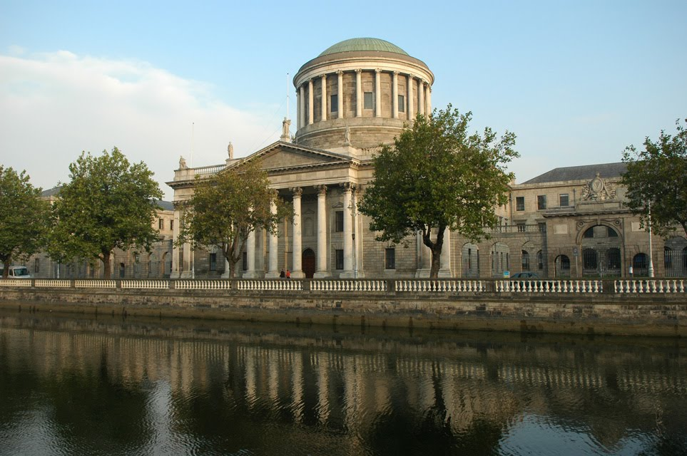 DUB-Dublin-Four-Courts-and-River-Liffey-from-Merchants-Quay-05-3008x2000