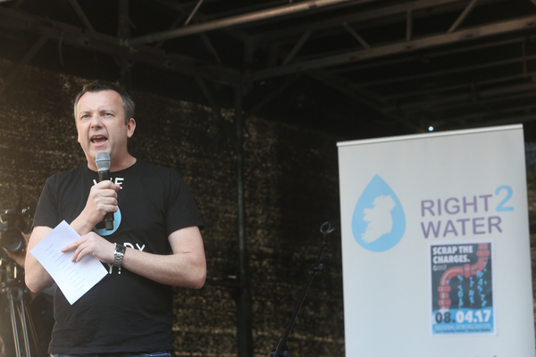 08/04/2017. Right 2 Water protest. Pictured Trade Unionist Brendan Ogle speaking to thousands of people protest in Dublin city this afternoon against the charging of water. The Protest is trying to keep preassure on the Government to get rid of charging for water and the charges to be dropped against people who took part in water protests in the past. Photo: Sam Boal/Rollingnews.ie