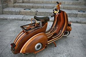 Wooden-Vespa-Scooter-by-Carlos-Alberto-3