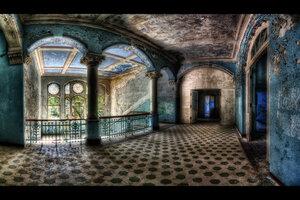 Beautiful_Decay_by_illpadrino