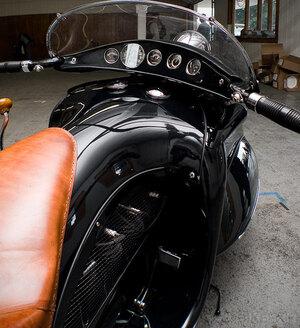 art-deco-motorcycle-2