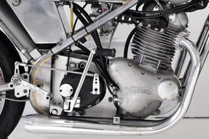 customized-vintage-racing-motorcycle-by-sebastian-errazuri-designboom-14