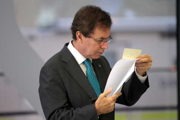 File Pics Fianna Fail has put down a motion of no confidence in Minister for Justice Alan Shatter over the garda discretion controversy.
