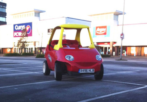adult-sized-replica-of-little-tikes-car-takes-to-the-streets-designboom-03
