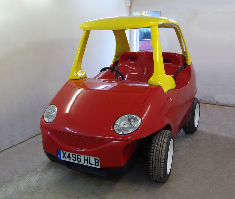 adult-sized-replica-of-little-tikes-car-takes-to-the-streets-designboom-04
