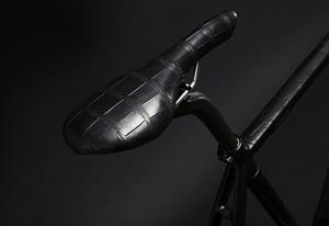 fixie-crocodile-skin-road-bike-designboom06