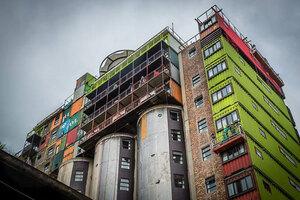 mill-junction-container-residences-overlook-johannesburg-designboom-02
