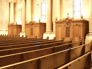 Pews_and_Confessionals