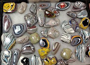 fordite-detroit-agate-car-paint-stone-jewel-12