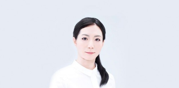 japanese-scientists-reveal-the-first-android-newscaster-designboom-03