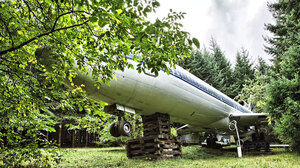 retired-boeing-727-recycled-home-bruce-campbell-14