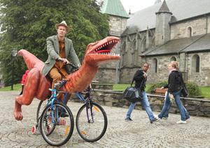 markus-moestue-norway-dinosaur-bike-designboom-08