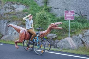 markus-moestue-norway-dinosaur-bike-designboom-104