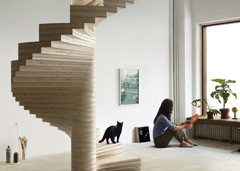 Wooden_Spiral_staircase_by_Risa_Meyer_dezeen_784_6