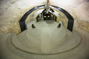 house-of-vans-london-indoor-skatepark-designboom-04