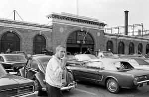 Paul-Newman-flipping-the-bird-1967
