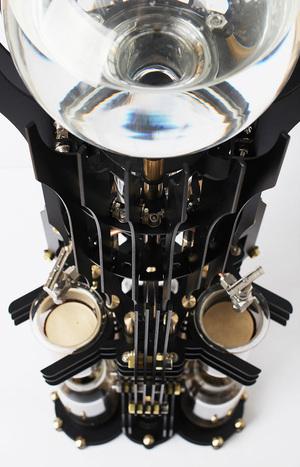 dutch-lab-akma-devil-steampunk-coffee-machine-supervillains-designboom-07