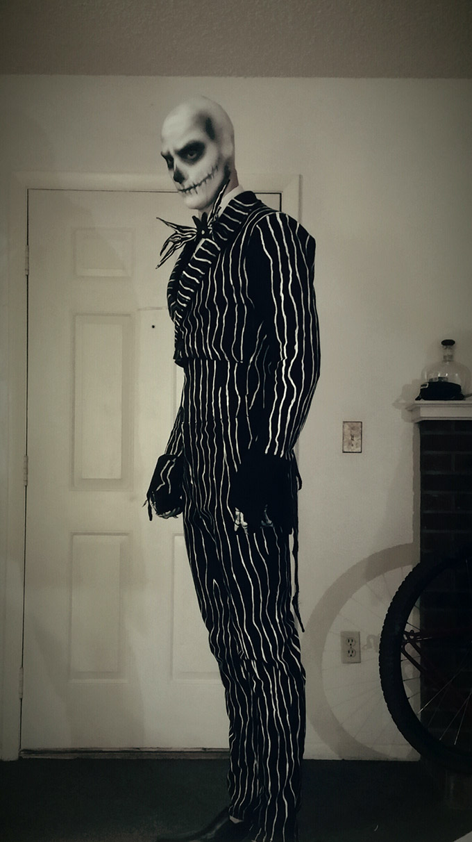 RealLife-Jack-Skellington-Cosplay-is-Terrifyingly