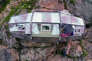 skylodge-adventure-suites-natura-vive-glass-pods-peru-designboom-04