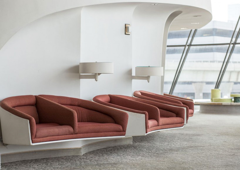 max-touhey-photographs-JFK-TWA-terminal-prior-to-renovation-designboom-05