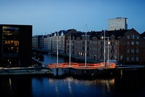 olafur-eliasson-cirkelbroen-bridge-copenhagen-christianshavn-canal-designboom-01-818x545
