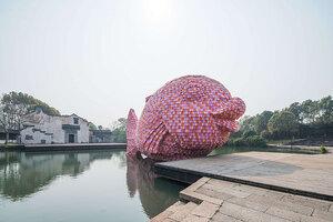 studio-florentijn-hofman-floating-fish-art-wuzhen-designboom-03
