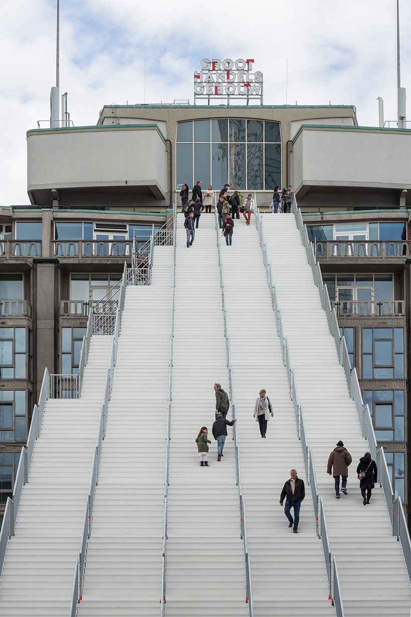 MVRDV-the-stairs-rotterdam-giant-staircase-installation-designboom-04